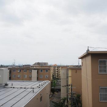 眺望も、遠くまで見渡せますよ〜!※写真は4階同間取り・別部屋のものです。