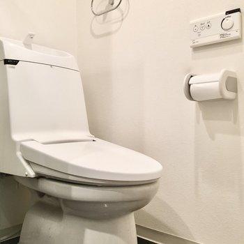 トイレはウォシュレット付き◎