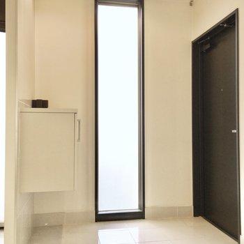 洗礼された玄関スペース。