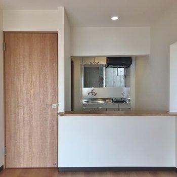 お部屋とキッチンはこんな感じで繋がってます