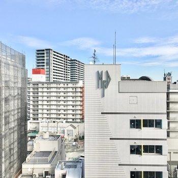 さすが10階!建物が多い中眺望は◎※写真は10階同間取り・別部屋のものです。