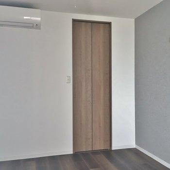 こちらが寝室スペース