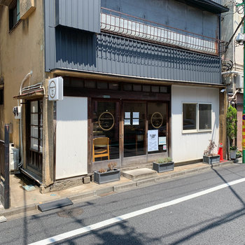 お部屋の近くには、古民家カフェなどもありました。