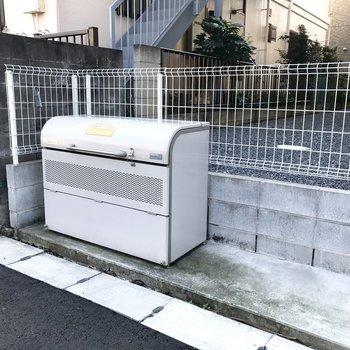 共用のゴミ捨て場はこちらです。