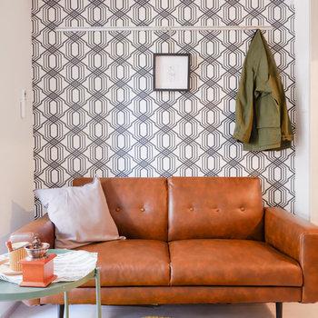 アクセントクロスの面に置く家具はよく映えます。※家具はサンプルです