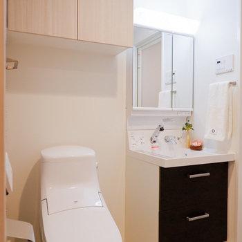 水回りも収納など充実していて、スッキリとまとまっています。※家具はサンプルです