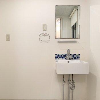 洗面台のタイルもチェックでかわいい◎