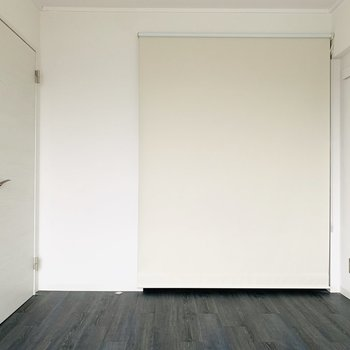 クローゼットはカーテンで隠すタイプ