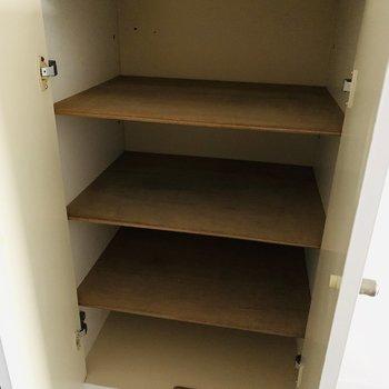 シューケースの上が棚が鍵置きとかに使えそう
