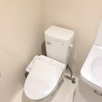 トイレは洗面所と同室にあります。※写真は前回募集時のものです