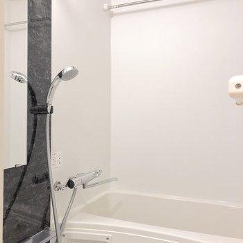 洗面所横のすぐ側にはお風呂場!※写真は前回募集時のものです