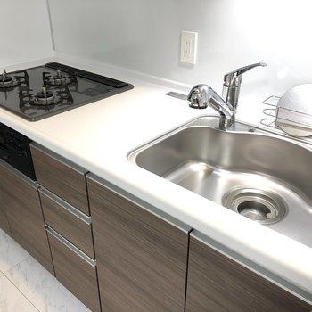 【LDK】シンクは広めで洗い物がしやすそうですね。