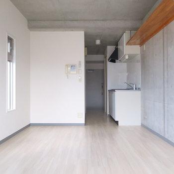 家具を置いて自分の空間に◎ ※写真は3階同間取り・別部屋のものです。