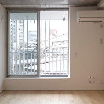 【LDK】柔らかい雰囲気です。※写真は4階の同間取り別部屋のものです。
