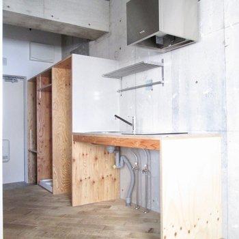 キッチンも木の造り。※写真は前回募集時のものです
