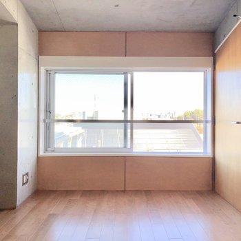 【上階4.0帖】コンクリートと木のコンビネーション