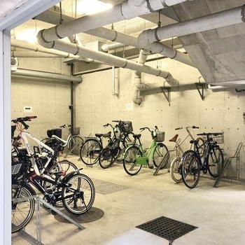 駐輪場も地下にあります