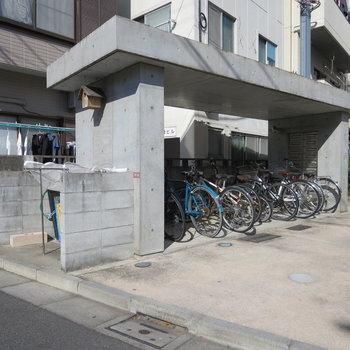 自転車置き場もありますよ(※空きは要確認です)