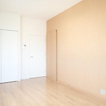 水回りへの扉はスライドドアです。※写真は同間取り別部屋のものです。