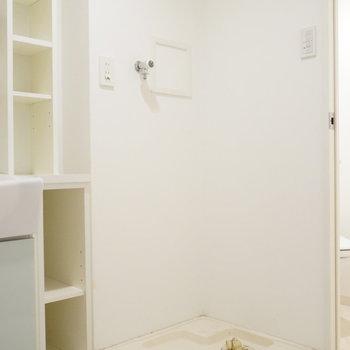 洗濯機置き場はこんな感じ。※写真は類似間取り・別部屋のものです。