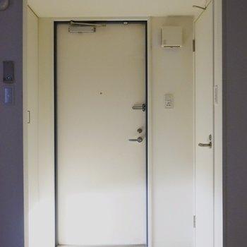 シューズボックスもちゃんとありまーす。※写真は類似間取り・別部屋のものです。