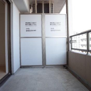 バルコニーも文句なしの広さです。(※写真は10階の同間取り別部屋のものです)