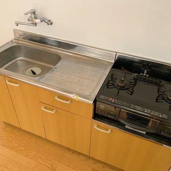 シンクも大きめで作業スペースもありますね。お隣には冷蔵庫も置けますよ。