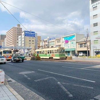 本川町の電停がほぼ目の前に!