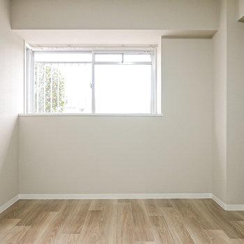 こちらの洋室の広さも同じ6帖。子ども部屋にピッタリかも?