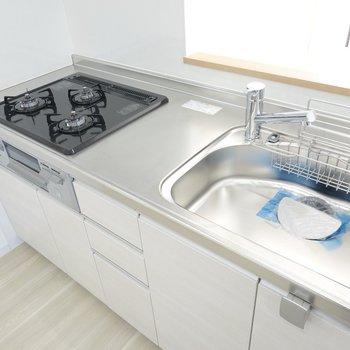 シンクが広めで、皿洗いの負担が減りそう。