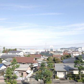 お部屋からは小牧の街が見渡せます。