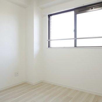 北側の洋室は4.5帖。趣味や収納、子どものお部屋に。