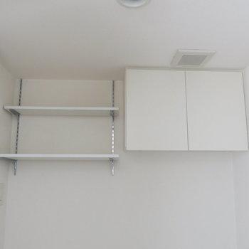 トイレ上にも収納があります!◎※写真は4階同間取り・別部屋のものです。
