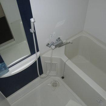 鏡もついて使いやすそう!※写真は4階同間取り・別部屋のものです。