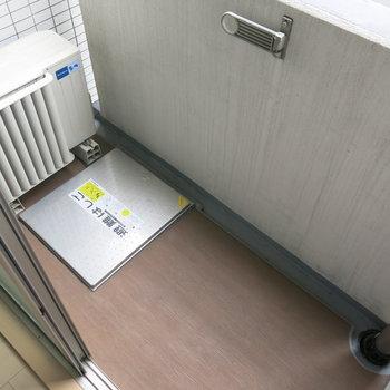 ベランダは小さいながらもありますよ!※写真は4階同間取り・別部屋のものです。