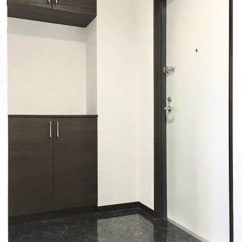 玄関はゆったりスペース。