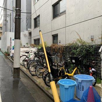 自転車置き場完備。