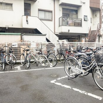 駐輪場は広いです。