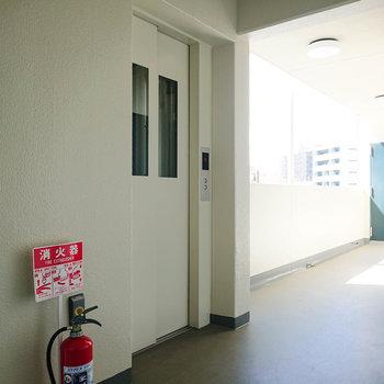 エレベーターがあるため、家財の搬入が楽になりますね。