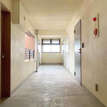共用廊下は屋内です◎
