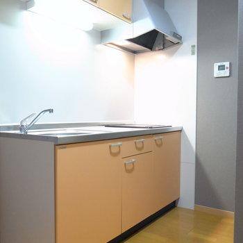 キッチンは動きやすくスペースがとられています。
