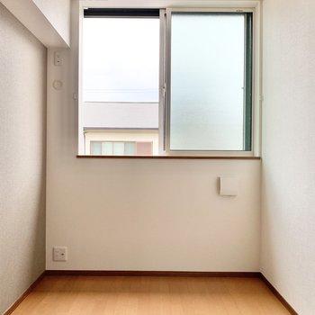 【洋室】寝室に良さそうなお部屋です。
