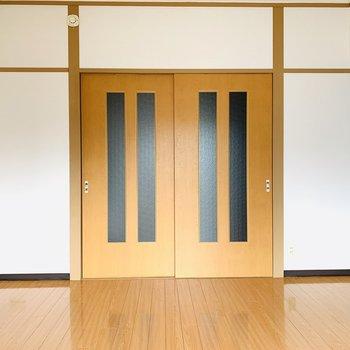 奥の扉を開けると、DKスペースへ...