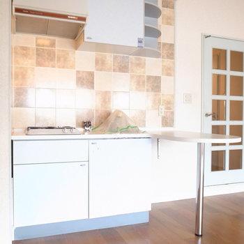キッチンはコンパクトですが、使い勝手はよさそうです。