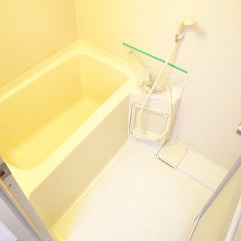 ちょうどひとり分サイズ。浴室乾燥機ついていますよ。