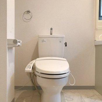 トイレの隣には、
