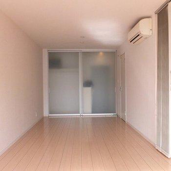 キッチン部分は約3帖あるので、合計約15帖!※写真は2階の同間取り別部屋のものです
