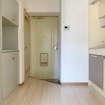 キッチンまわりはこのようにゆったりとした空間。