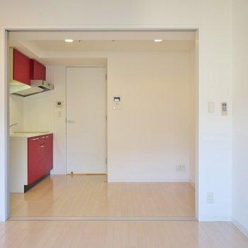 寝室とご飯食べる場所、わけれちゃう♪。※写真は、同じタイプの1303号室。