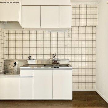 右横に冷蔵庫スペースです。サイズは要チェック☆